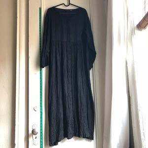 Long sleeved 90's Goth Black Flowy Duster / Dress